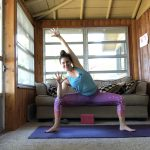 5 yoga poses in 5 minutes